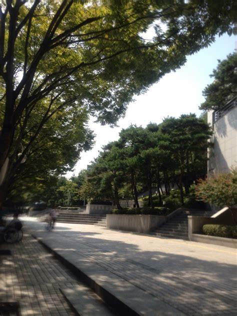 북구청소년회관 | 대구광역시 북구 검단로 71-17 | +82 53-383-1300