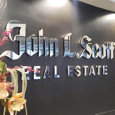 Christine Kutzkey - Coldwell Banker Chris Kutzkey Realtors | 300 S Broadway St, Yreka, CA, 96097 | +1 (530) 842-7319
