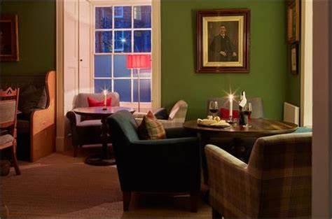 Y Meirionnydd Townhouse - Rooms, Restaurant & Bar | Smithfield Square, Dolgellau LL40 1ES | +44 1341 422554