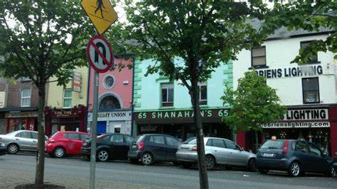 An Post   146 Main St., Castleisland   +353 66 714 1201