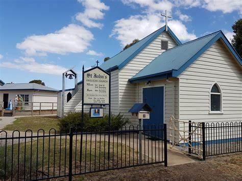 St. Johns Bannockburn with Church Of Epiphany Meredith | 11 Byron Street, Bannockburn, Victoria 3331 | +61 419 322 385