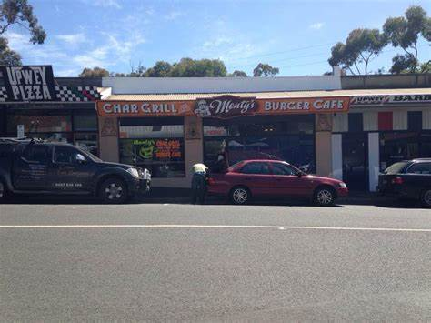 Montys Char Grill On The Hill Burger Cafe | 43A Main Street, Melbourne, Victoria 3158 | +61 3 9754 1414