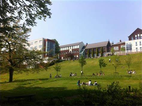 Cardinal Newman College Student Union | Lark Hill Road, Preston PR1 4HD | +44 1772 460181