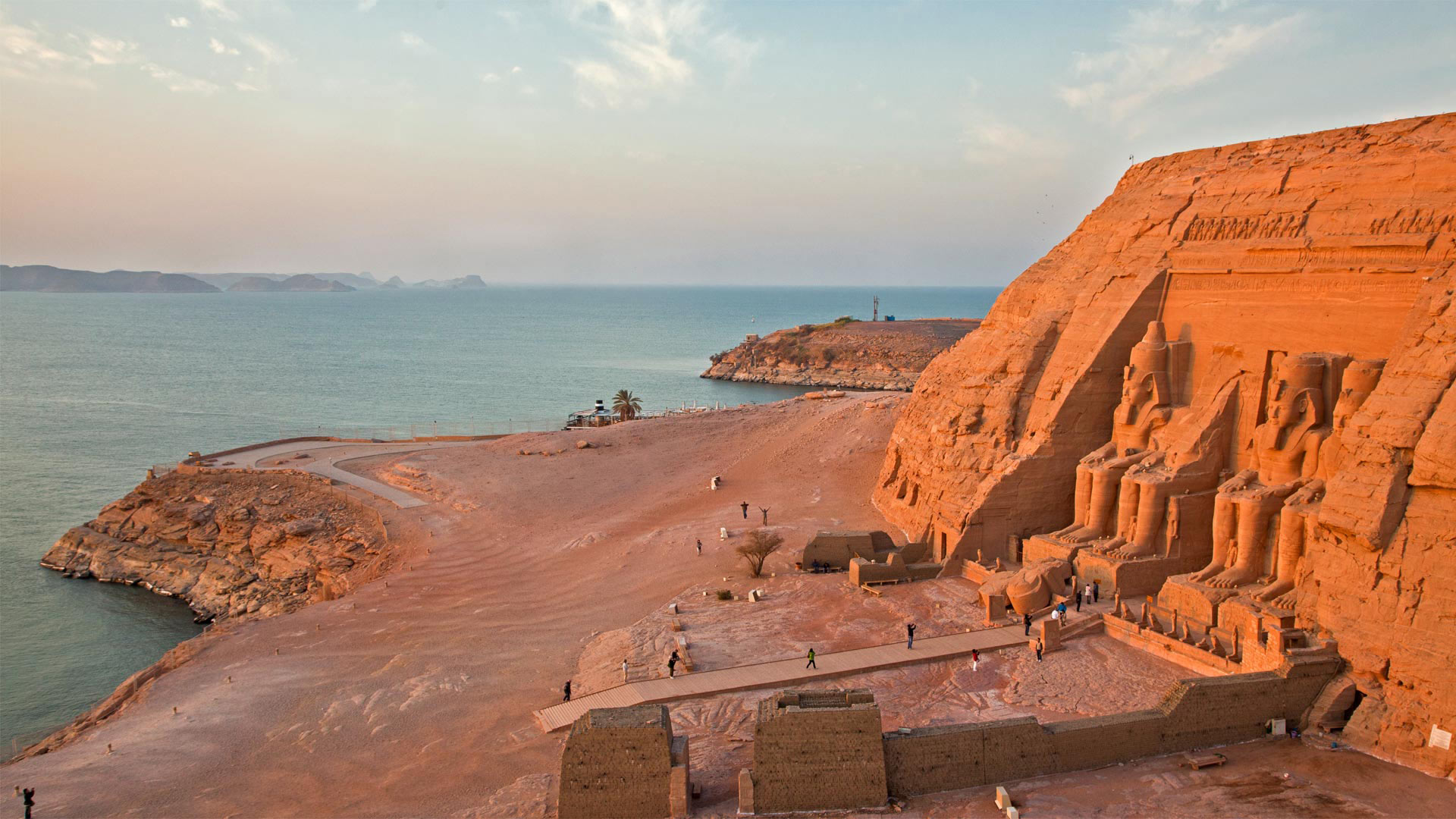 Abu Simbel temples on the west shore of Lake Nasser, Egypt (© George Steinmetz/Getty Images)(Bing United States)