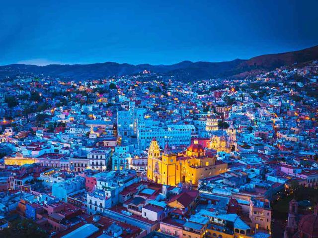 Guanajuato, Mexico (© AI NISHINO/Alamy)