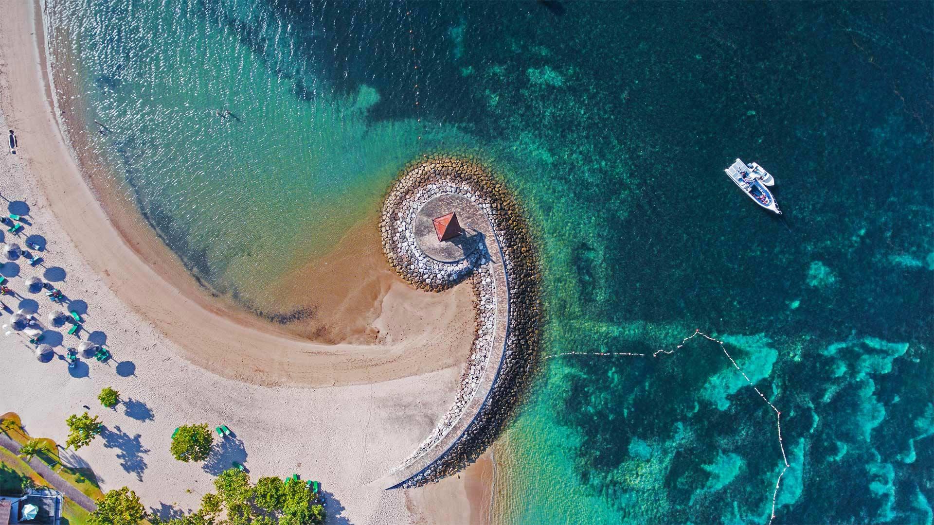Nusa Dua coast with breakwater, Bali, Indonesia (© Dkart/Getty Images)(Bing United States)