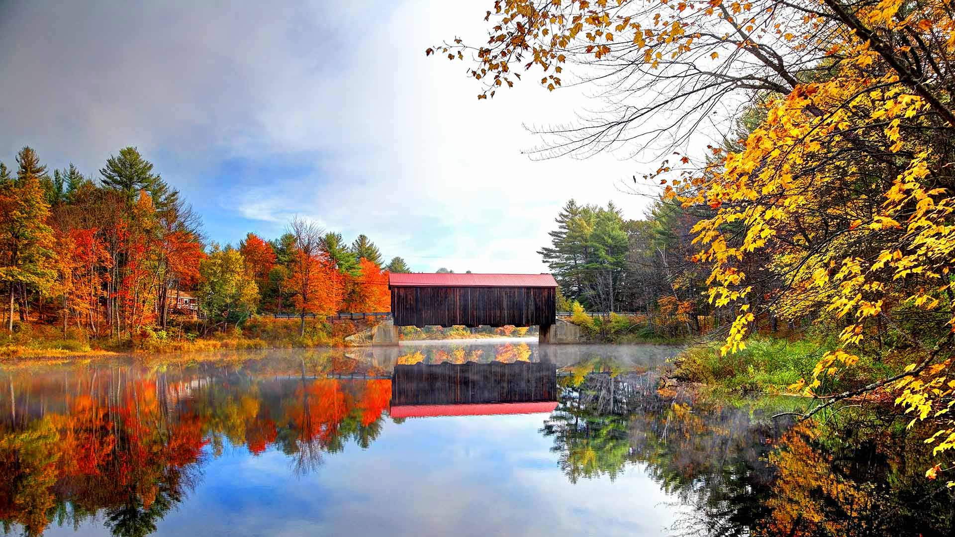 Hancock-Greenfield Bridge (aka County Bridge) in New Hampshire (© Denis Tangney Jr/E+/Getty Images)(Bing United States)