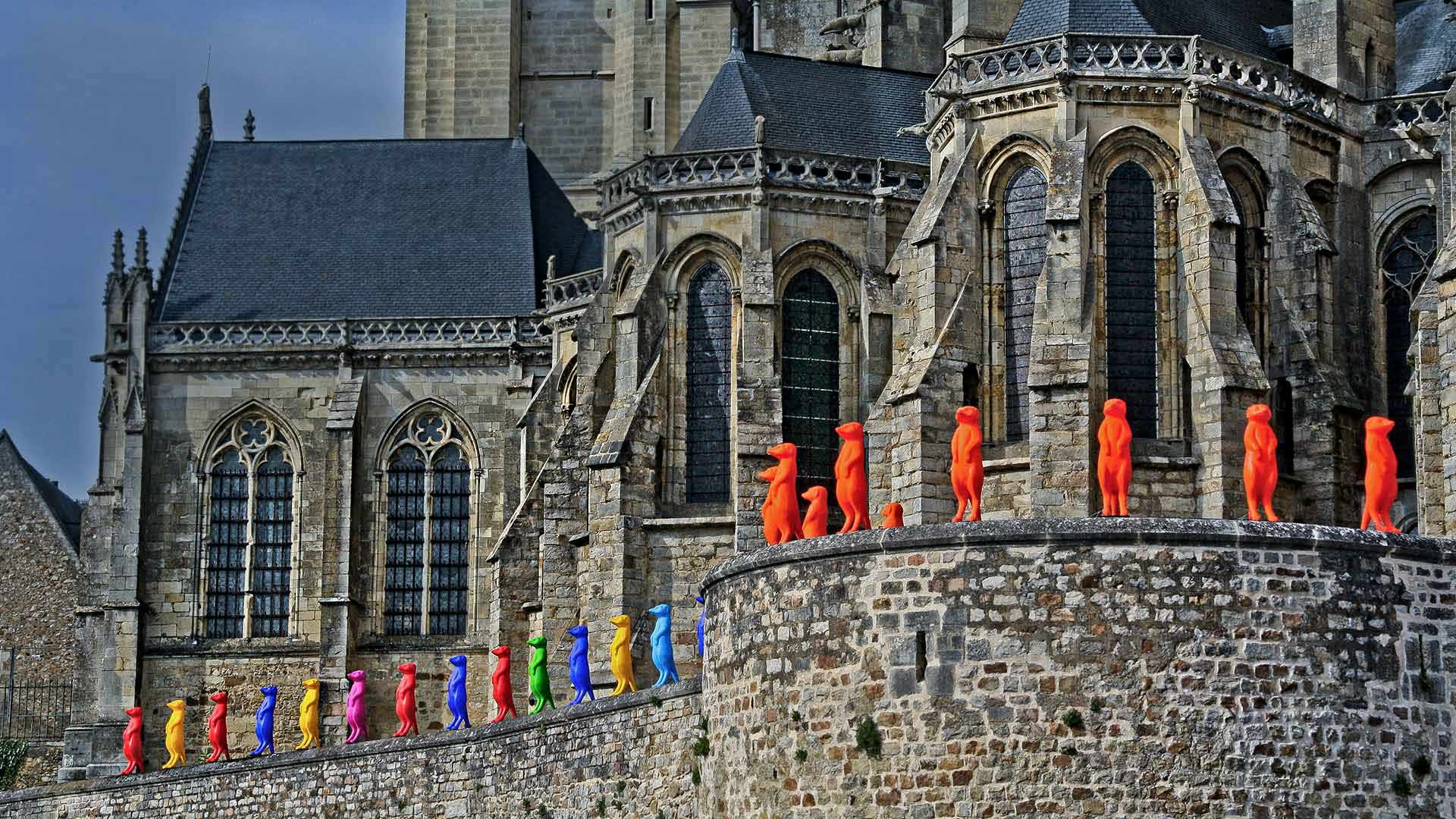 Cracking Art installation at Le Mans Cathedral in 2015, France (© Michel GILE/Gamma-Rapho via Getty Images)(Bing United States)