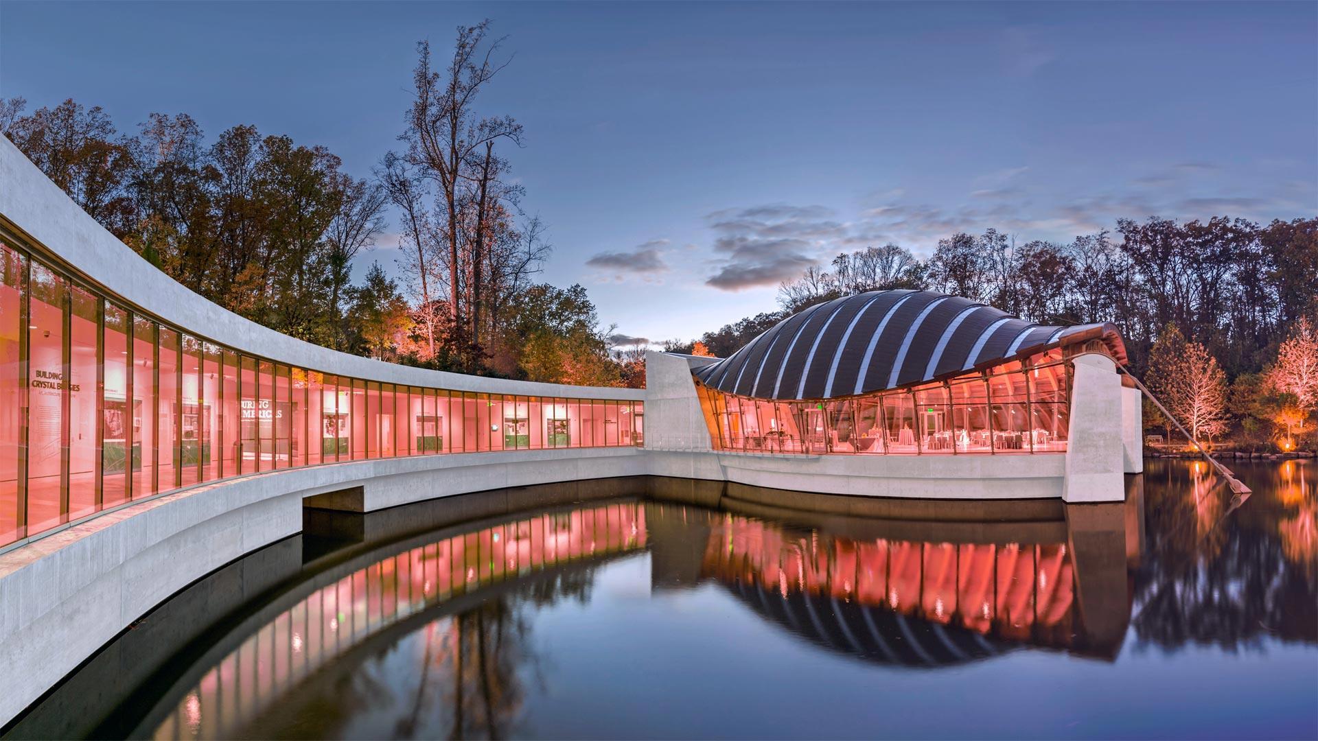 Crystal Bridges Museum of American Art in Bentonville, Arkansas (© Eddie Brady/Getty Images)(Bing United States)