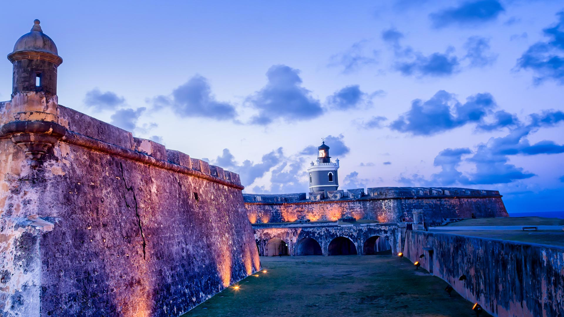 Castillo San Felipe del Morro in Old San Juan, Puerto Rico (© grandriver/Getty Images)(Bing United States)