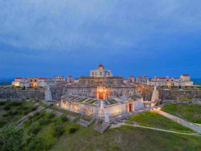 Nossa Senhora da Graça Fort near Elvas, Portugal (© Luis Pina Photography/Shutterstock)