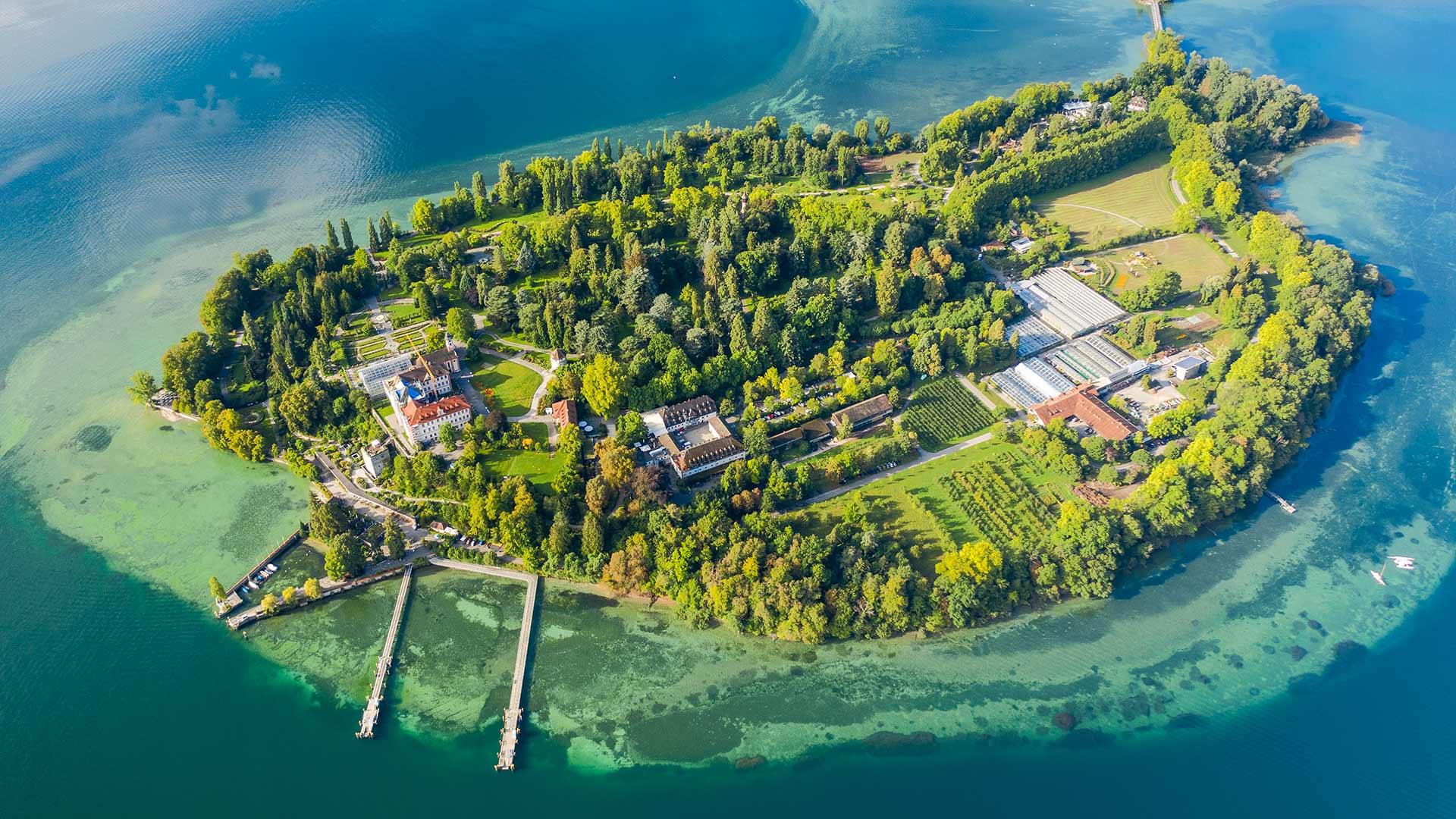 「ボーデン湖のマイナウ島」ドイツ (© Amazing Aerial Agency/Offset by Shutterstock)