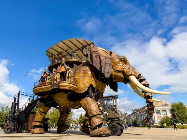 The Grand Éléphant at Machines of the Isle of Nantes, France (© Dutourdumonde Photography/Shutterstock)