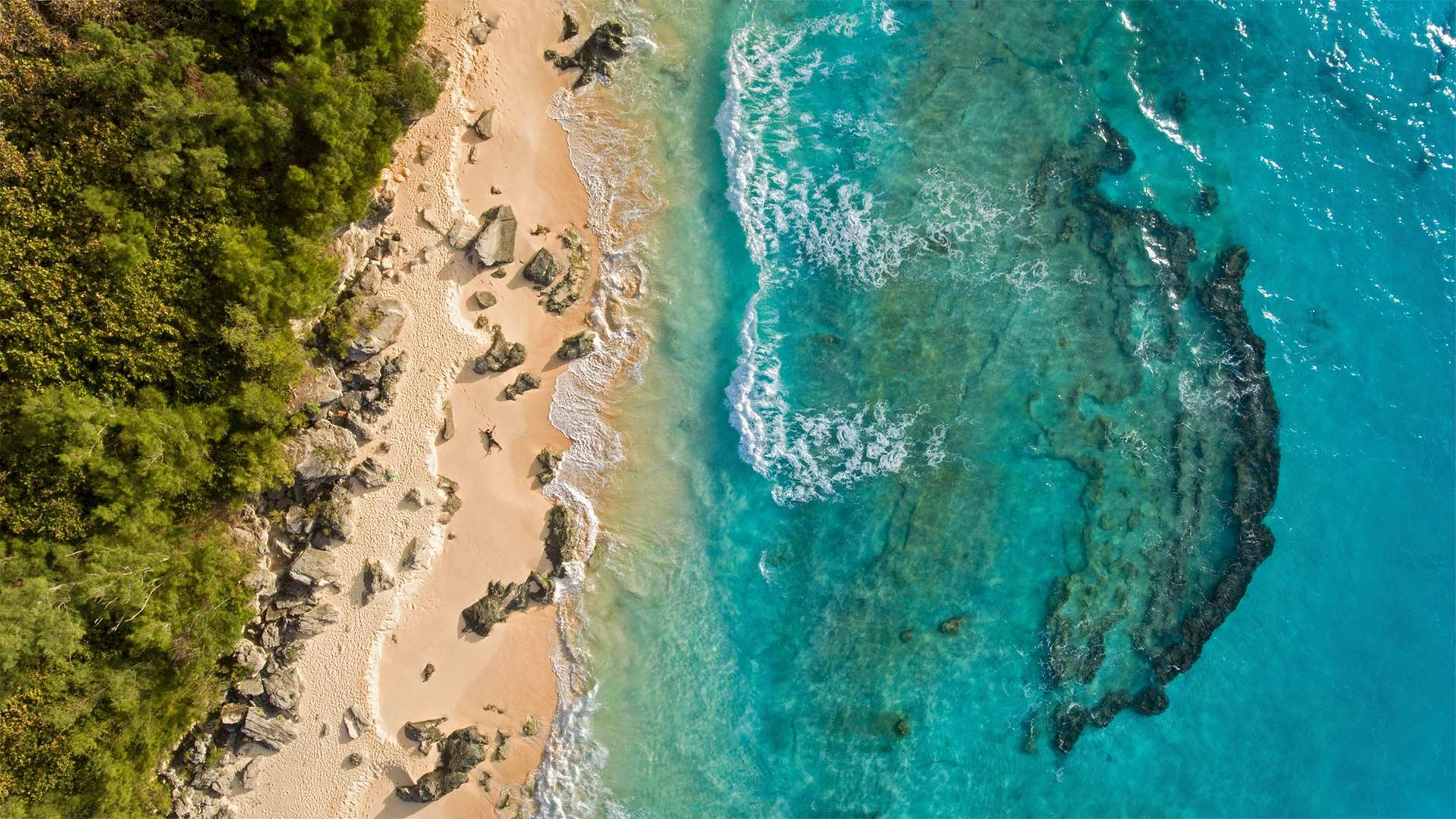 Aerial view of Marley Beach, Bermuda (© Paul Zizka/plainpicture)(Bing United States)