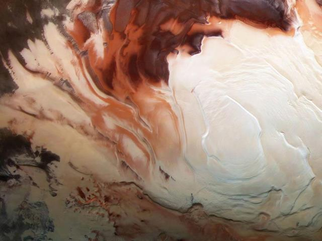 Mars Express image of the icy cap at Mars' south pole (© ESA/DLR/FU Berlin/Bill Dunford)