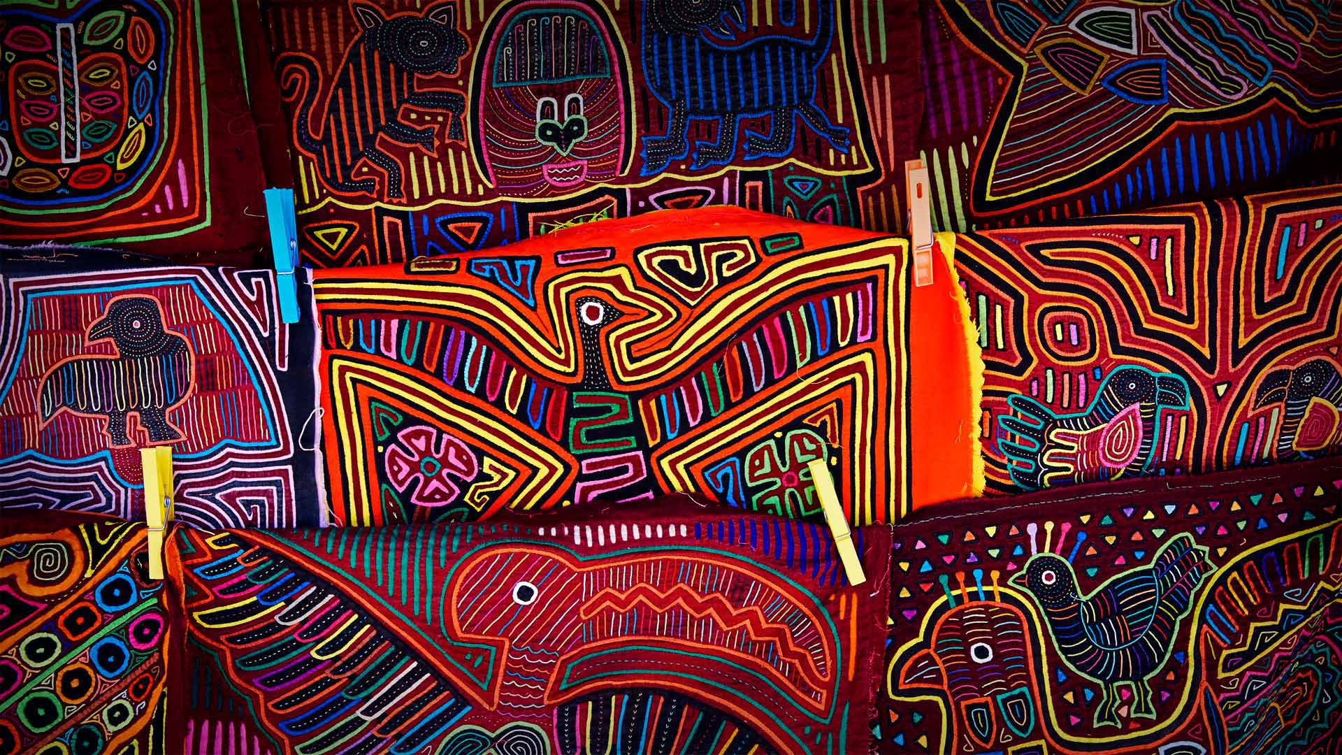 Handicrafts of the Guna people of the Guna Yala archipelago, Panama (© Lars Schneider/Tandem Stills + Motion)(Bing United States)