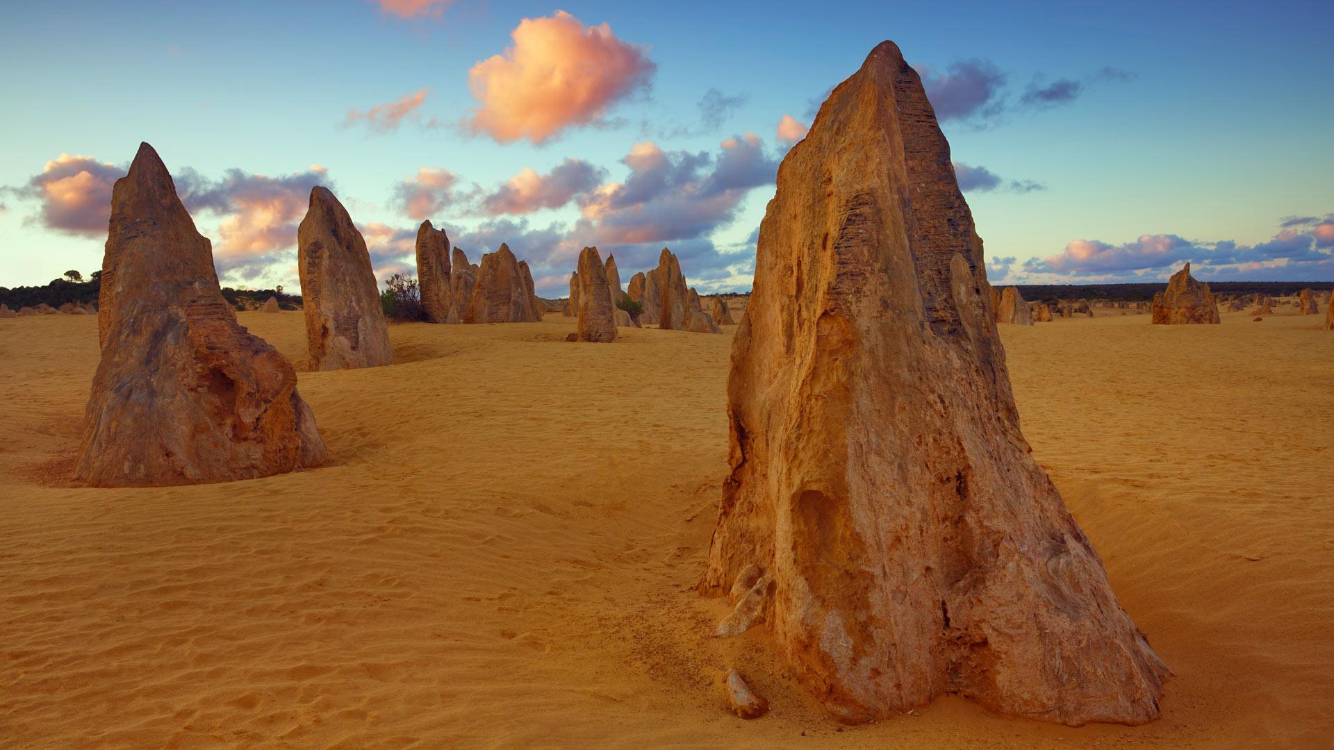 「ピナクルズ砂漠」西オーストラリア, ナンバン国立公園 (© Frank Krahmer/Getty Images Plus)