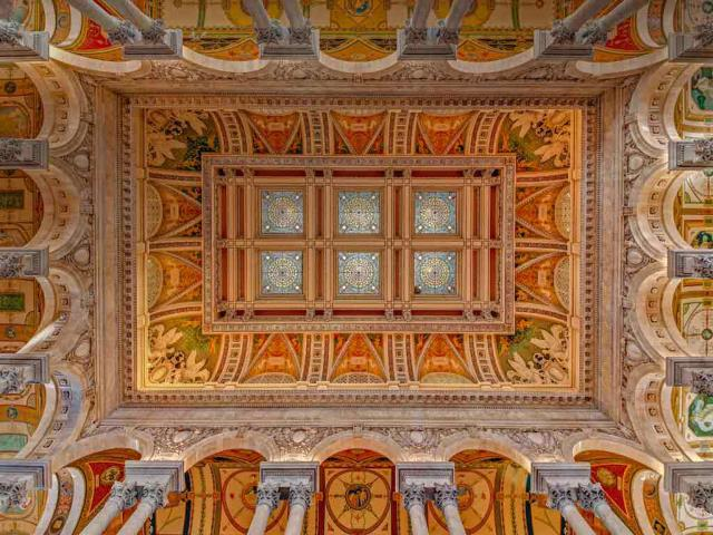Ceiling and cove of the Great Hall at the Library of Congress in Washington, DC (© Susan Candelario/Alamy)