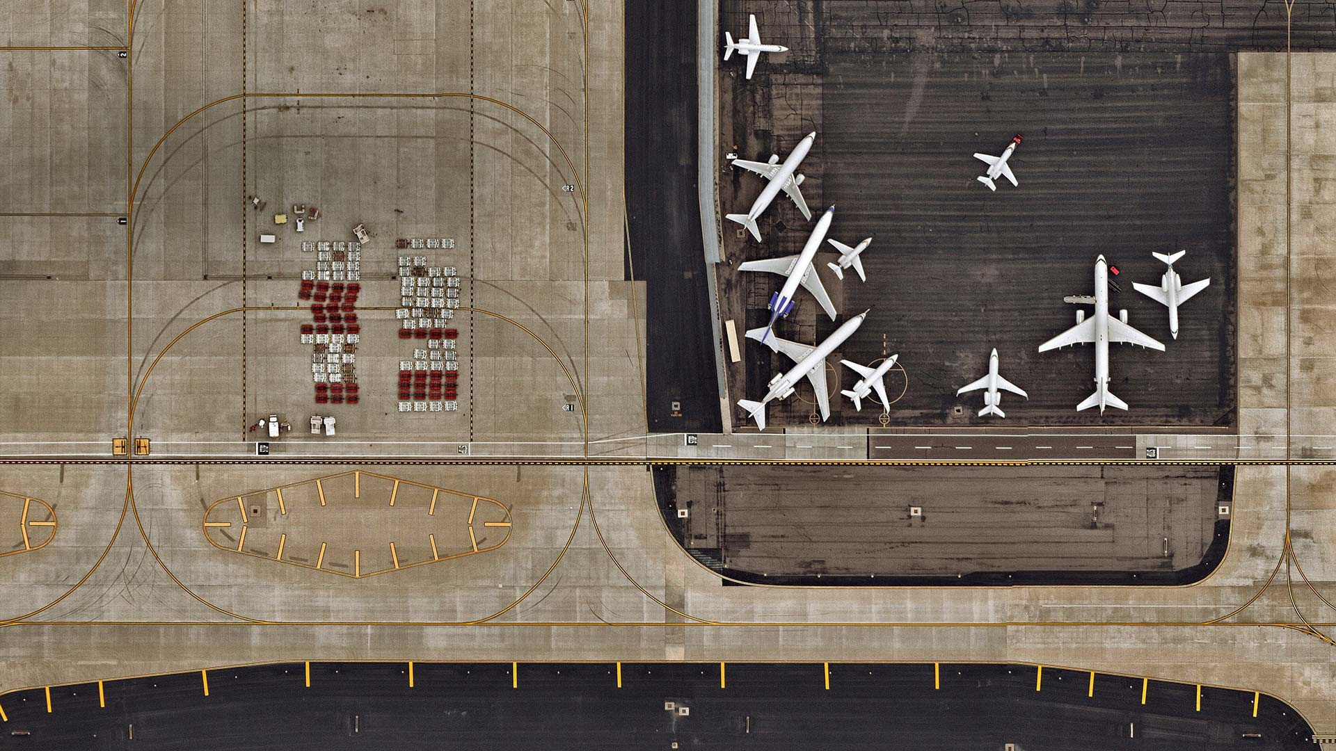 Aerial view of Sky Harbor International Airport in Phoenix, Arizona (© Nearmap/Getty Images)(Bing United States)