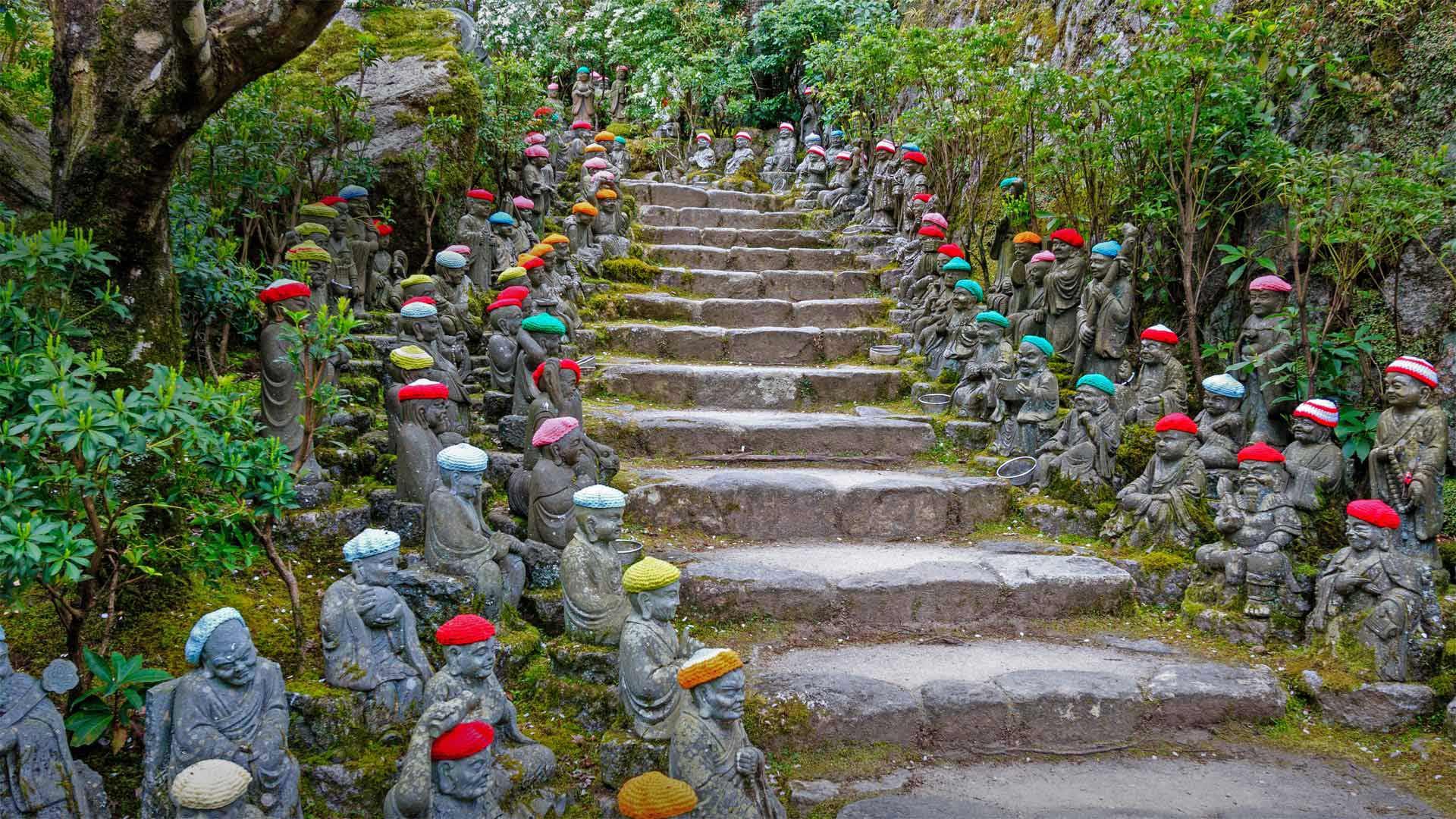 「五百羅漢庭園」広島, 宮島 (© Malcolm Fairman/Alamy)