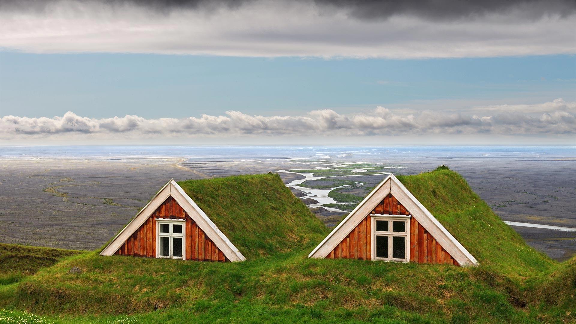 Turf farmhouses at Skaftafell, Vatnajökull National Park, Iceland (© Jarcosa/Getty Images)(Bing United States)