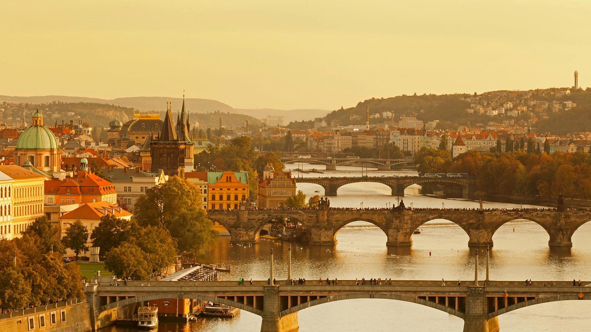 For the 30th anniversary of the Velvet Revolution, bridges over the Vltava River, Prague, Czech Republic (© Markus Lange/Offset)(Bing United States)