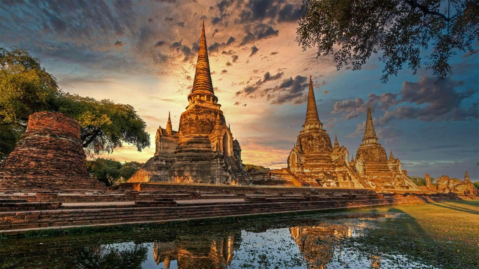 「ワット・プラシーサンペット」タイ, アユタヤ (© travelstock44/Alamy Stock Photo)
