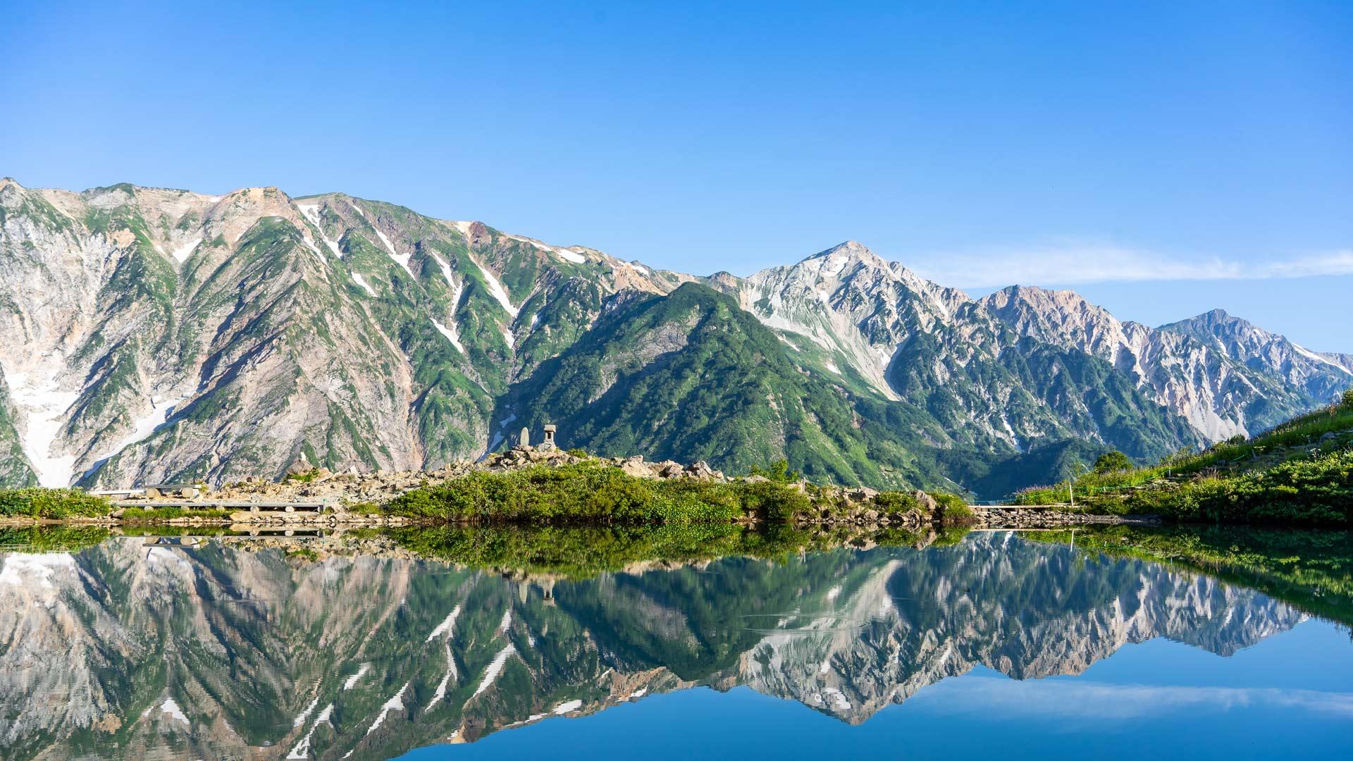 「白馬三山と八方池」長野, 白馬村 (© sayaka kishimoto/Getty Images)