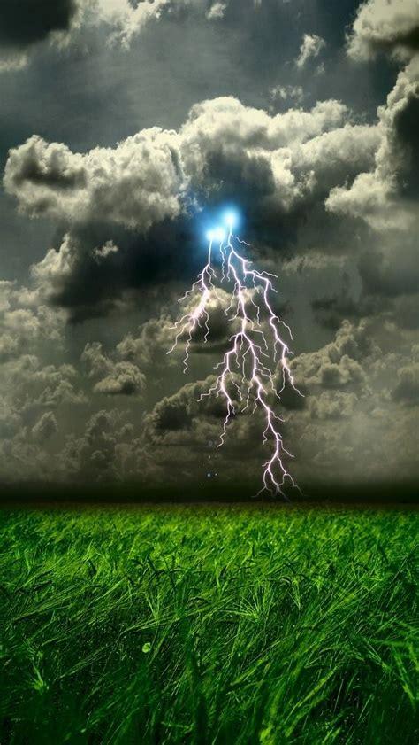 Résultat d'images pour nuages pinterest orage