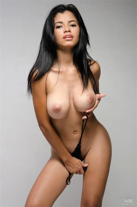Hot colombian tits-dubevamis