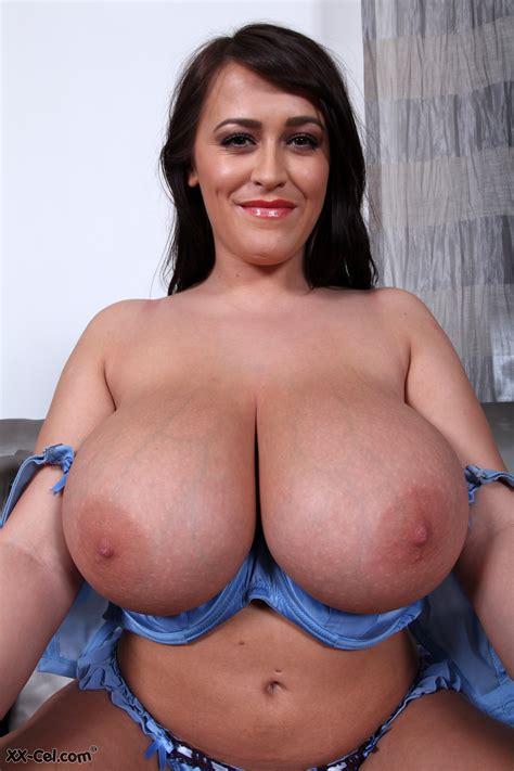 Naked big boob babes-dvanmuvades