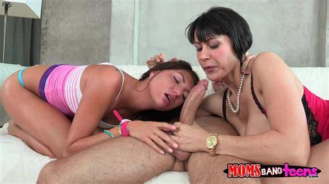 Horny mom xxx video-unetmeke