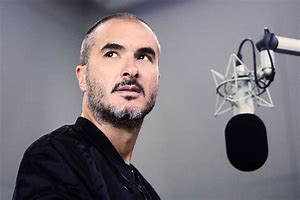 Zane Lowe marches ahead to new beat...