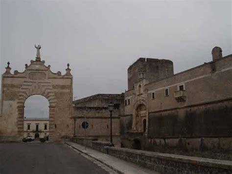 Risultato immagine per foto copertino castello