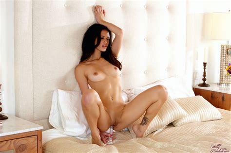 Naked dildo ride-taleliro