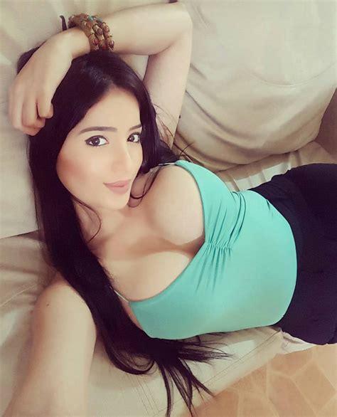 Hot colombian tits-tenlipatua