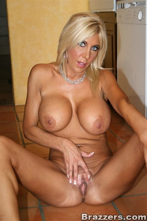 Hot milf mature mom-tyecredacva