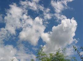 Résultat d'images pour nuages en mouvement