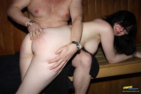 Amateur spanking porn-miltioduma
