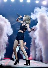 taylor swift 1989 trouble に対する画像結果