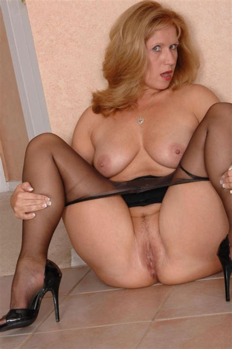 Naked milf images-dissiedlabef