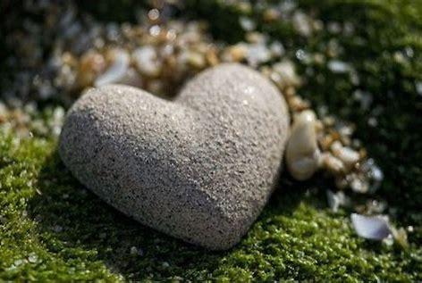 Risultato immagine per pietre su pietre