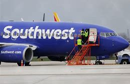 Southwest Airlines flight attendant claims two pilots live-streamed hidden-camera footage from the bathroom to the cockpit …