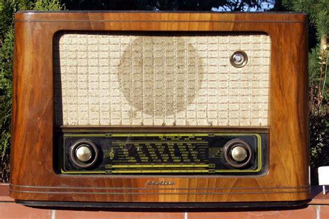 Résultat d'images pour radio