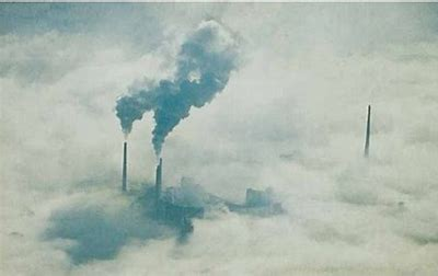 Risultato immagine per cielo inquinato