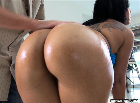 Worlds hottest butts-ricatomen
