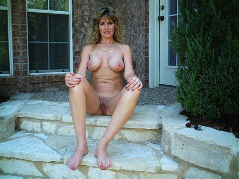 Real amateur naked women-demntelega