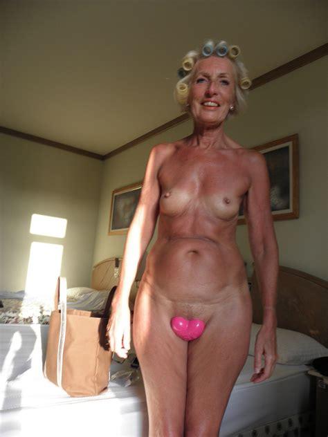 Mature granny sex-utensaches