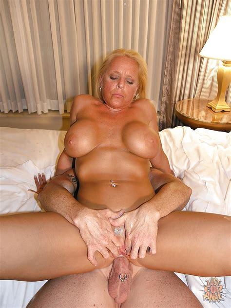 Big tits anal granny-burluvegis