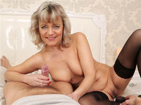 Horny mom xxx video-crocemoreas